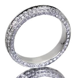 婚約指輪をデザインから選ぶ