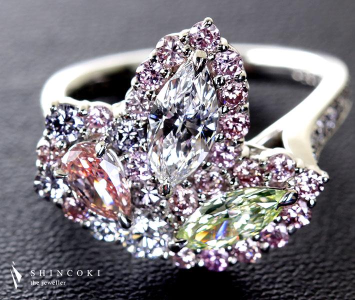【HANDMADE】PT950 ダイヤ ピンクダイヤ グリーンダイヤ 0.5ctD VS1/0.3ctFANCY PINK SI1/0.35ctFANCY YELLOW GREEN VS1/0.12ctVERY LIGHT BLUE VS2 Total2.5ctカラーダイヤモンドリング