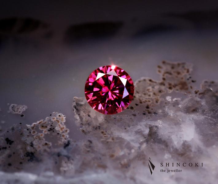 レッドダイヤモンド 0.260ct FANCY PURPLISH RED SI-2 ※中央宝石研究所ソーティングシート付