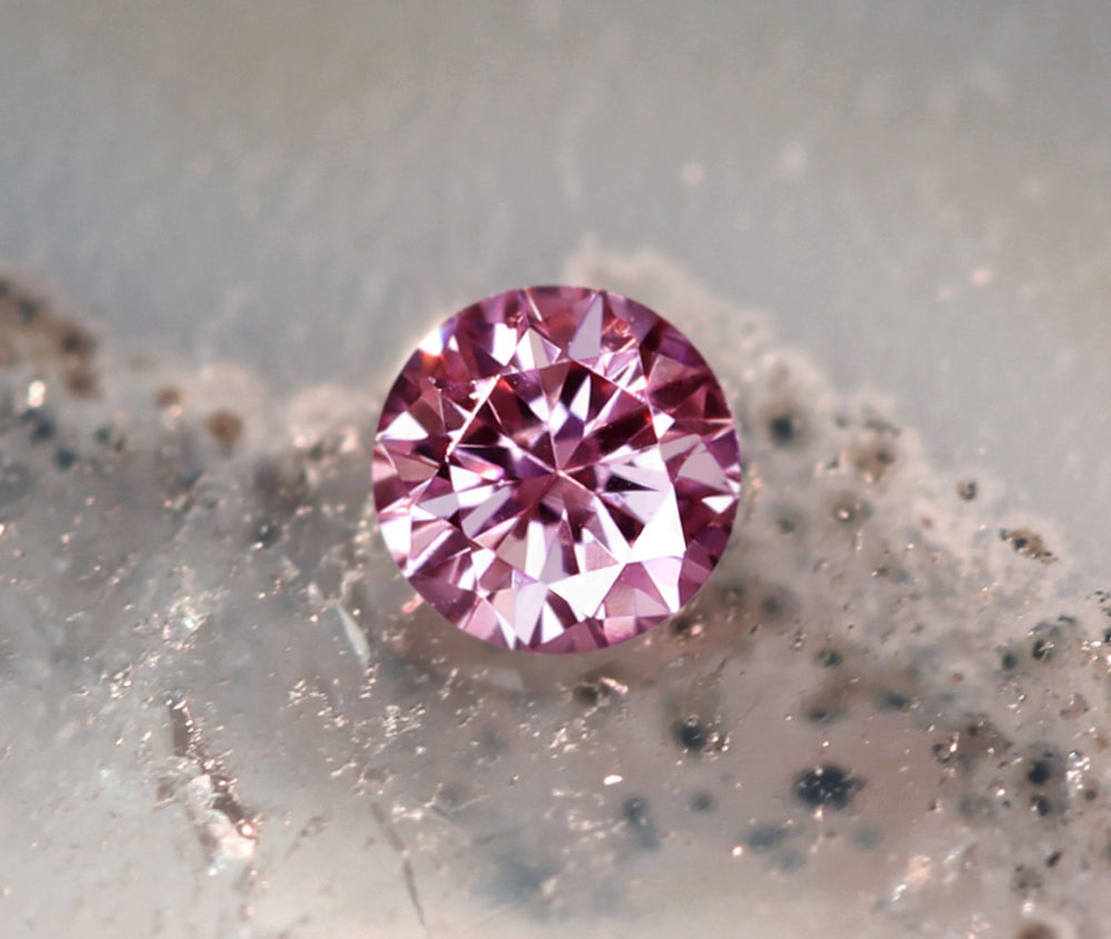 《CLOSING MOUNTAIN MUSEUM》【PINKDIAMOND Lot.16】ピンクダイヤモンド 0.034ct FANCY INTENSE PURPLISH PINK VS-2 ルース ラウンドシェイプ《PINKDIAMOND》