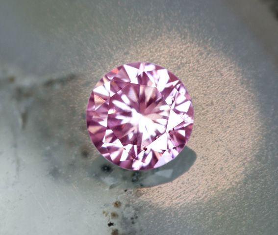 《CLOSING MOUNTAIN MUSEUM》【PINKDIAMOND Lot.19】ピンクダイヤモンド 0.152ct FANCY LIGHT PURPLISH PINK SI-2 ルース ラウンドシェイプ《PINKDIAMOND》