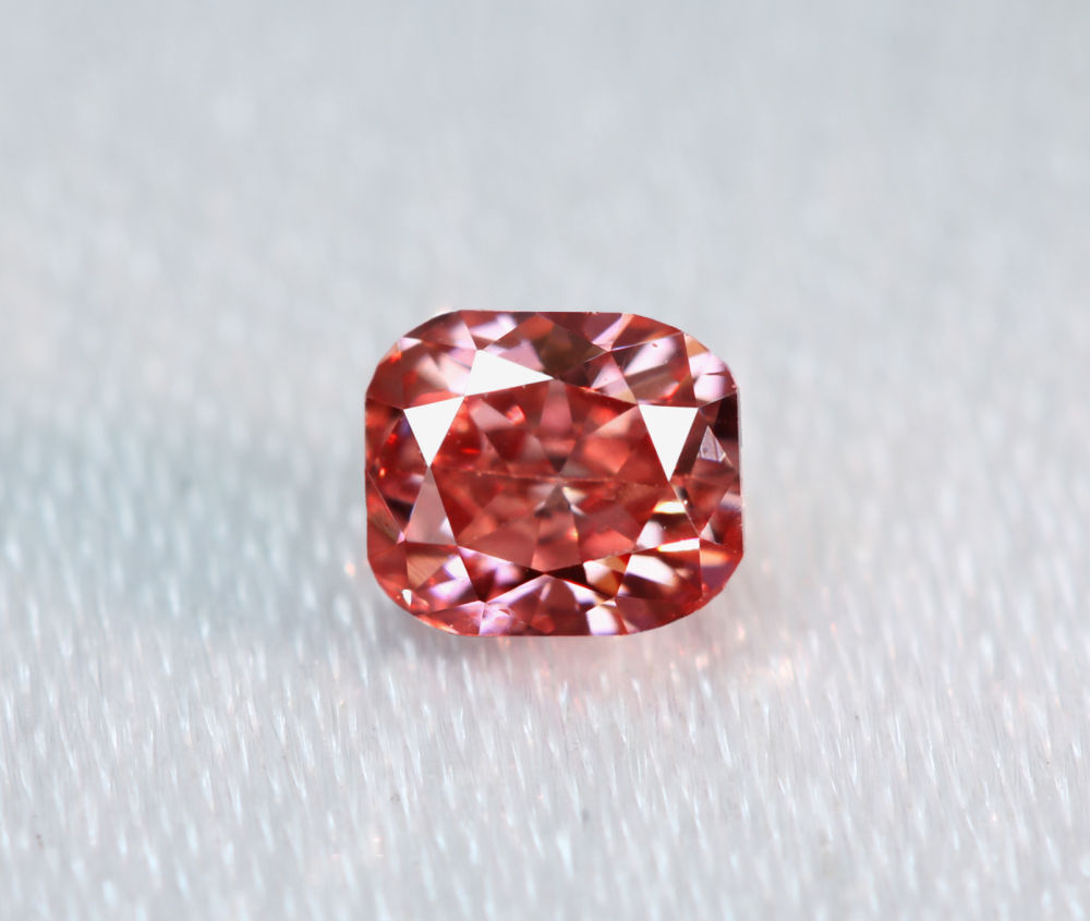 《CLOSING MOUNTAIN MUSEUM》【PINKDIAMOND Lot.23】ピンクダイヤモンド 0.21ct Fancy Deep Orangy Pink SI1 ルース クッションカット[GIA]